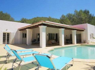 San Lorenzo villa in a secluded valley close to Santa Eularia