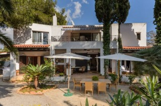 Santa Eulalia house close to town centre