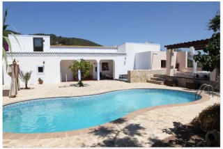 Finca for sale Ibiza with large plot of land and pool