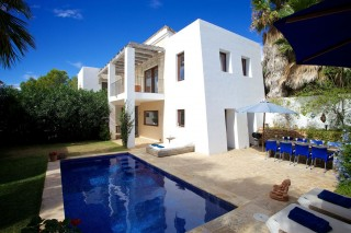 Ibiza holiday villa for rent with 4 bedrooms & pool