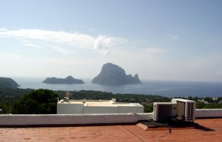Recently renovated 3 bedroom house for sale with spectacular views to Es Vedra, Ibiza