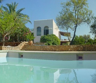 Wonderful San Lorenzo finca for sale with separate guest house & stunning countryside views