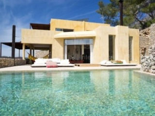 €3,800,000Roca LlisaLuxury Ibiza home with sea views