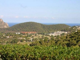€485,000Cala LlongaBargain 2 bedroom house on a private complex of six properties…