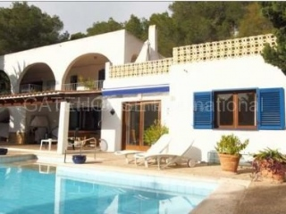 €825,000Cala LlongaDetached family home with guest accommodation