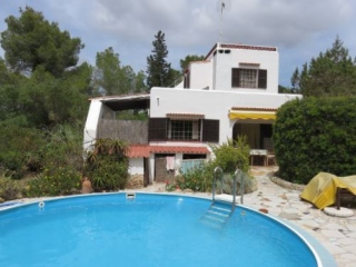 €495,000BenimussaDetached villa requiring modernization