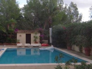 €775,000San JoseFamily home for sale in San Jose with distant sea views