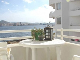 €140,000San JoseApartment with panoramic sea views & walking distance to beach…