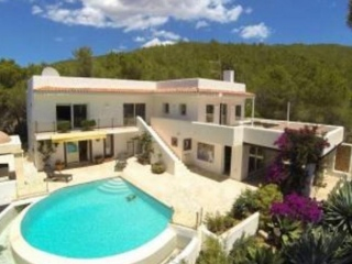 €1,650,000Santa EulariaLarge detached home for sale with sea and mountain views