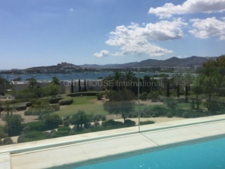 €2255,000TalamancaLuxury Four bedroom apartment with sea views