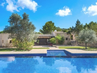 €2,750,000San JoseLarge luxury villa with countryside views