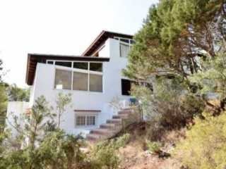€480,000Cala VadellaThree bedroom Townhouse with far reaching views