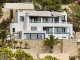 €2,950,000Santa EulariaLuxury contemporary villa with sea views