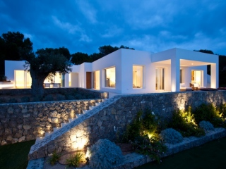 Ibiza €2,500,000Cap NegretLuxury sea view villa in modern & contemporary style…