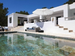 Ibiza €2,895,000Es CubellsCharming villa with guest house between Es Cubells & Porroig…