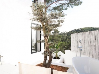 €369,000Cala VadellaTwo bedroom renovated apartment