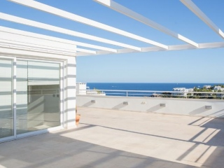 €1,100,000Cala LlenyaSea View Duplex home with four bedrooms