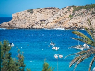 €360,000Cala VadellaSea view apartment for sale