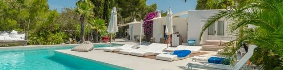 €3,300,000San RafaelLuxury 6 bedroom minimalist home on the West Coast which enjoys stunning Ibiza sunsets