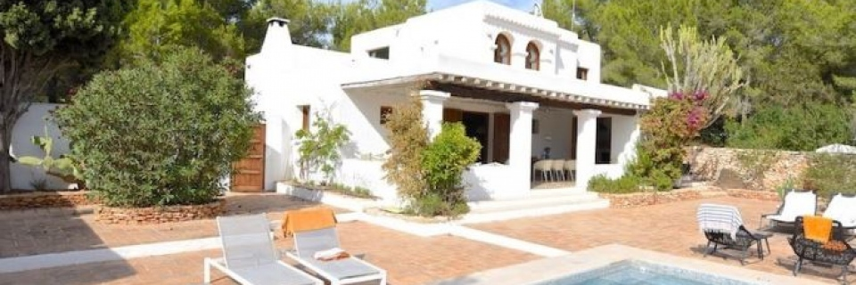 €2,500,000Santa GertrudisLuxury villa with rental license in quiet location