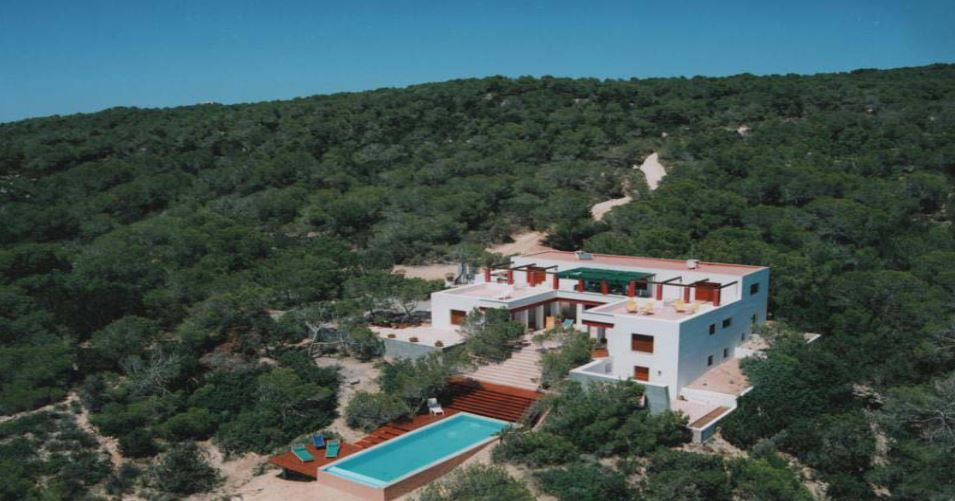 Large estate on Formentera overlooking the sea 1